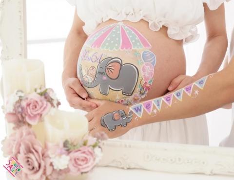 マタニティペイント「赤ちゃんとゾウさん」